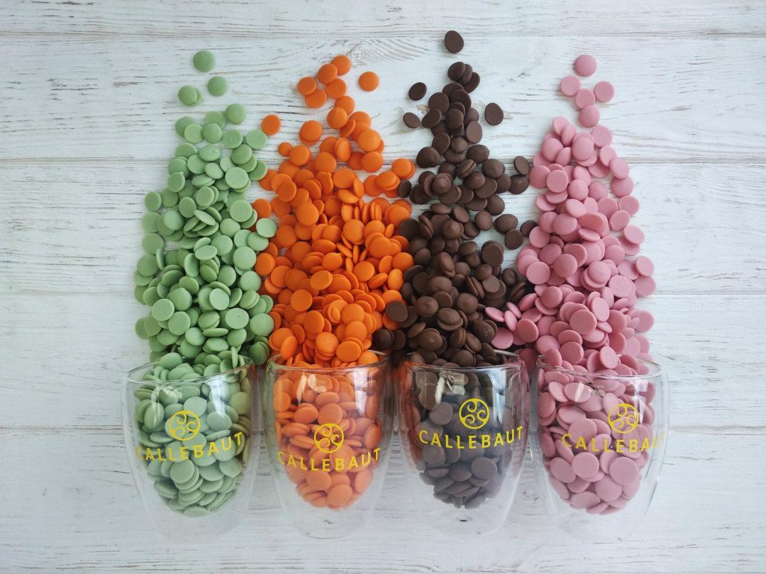 Кольоровий шоколад